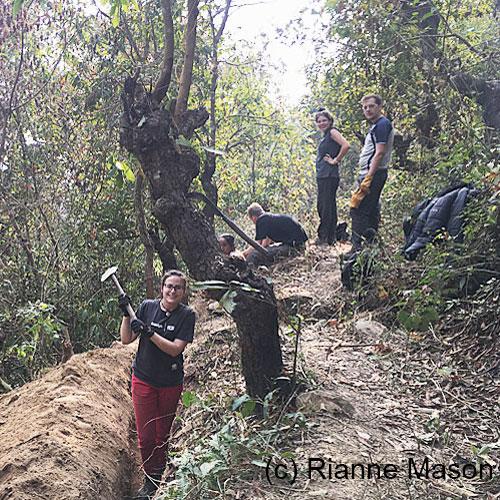 Digging in Nepal (c) Rianne Mason