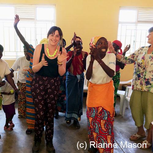 Dancing in Rwanda (c) Rianne Mason
