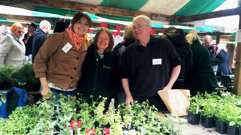 Inspire community plant sale (c) Rianne Mason