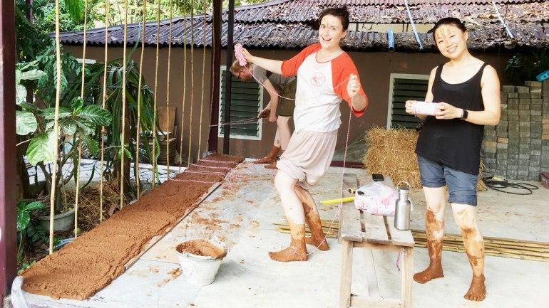 Straw bale building (c) Rianne Mason