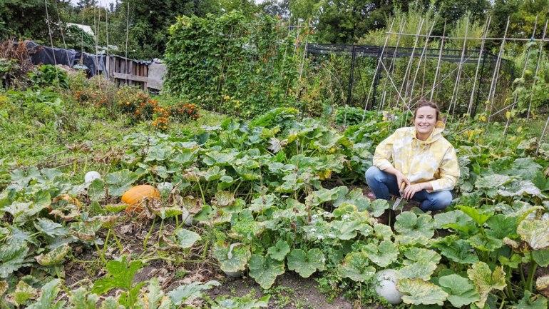 Weeding the pumpkins (c) Rianne Mason